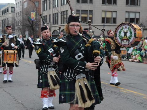 Joueurs de cornemuse lors du défilé de la Saint-Patrick à Buffalo