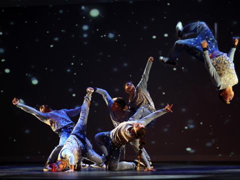Chorégraphie sous la neige pour la version hip hop de Casse-Noisette