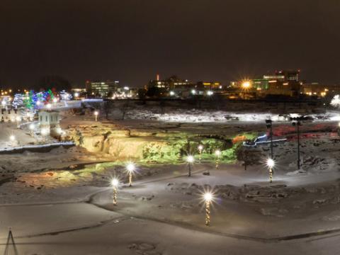Falls Park illuminé pour les fêtes