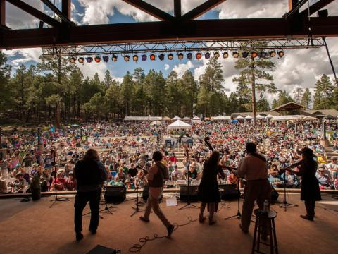 Concert au Pickin in the Pines Bluegrass Festival
