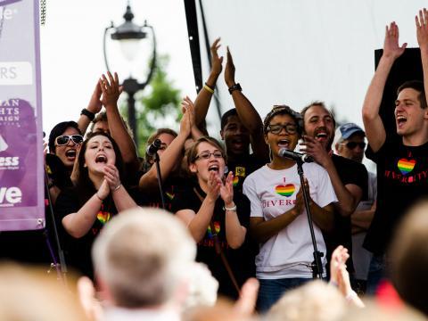 Célébrez la diversité à l'occasion de la marche des fiertés Out! Raleigh Pride en Caroline du Nord